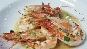 Krevety na víně a česneku